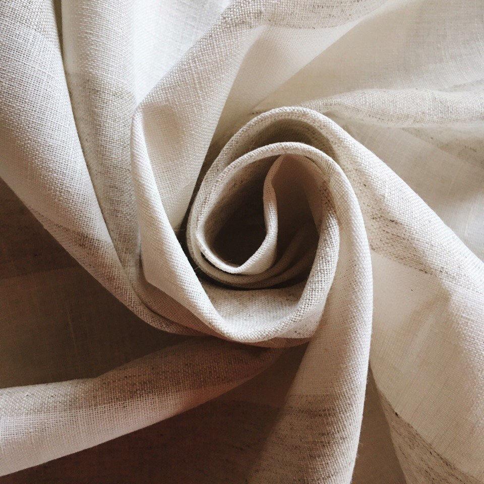 Ткань в широкую коричневую полоску