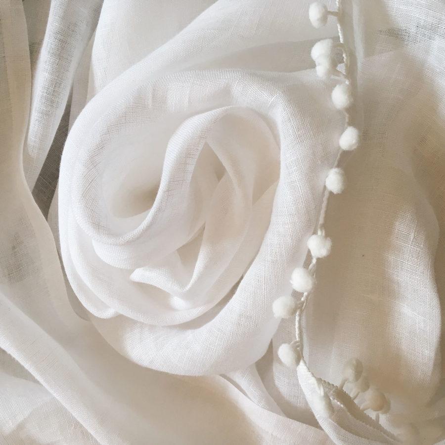 Льняная тюлевая ткань Белая