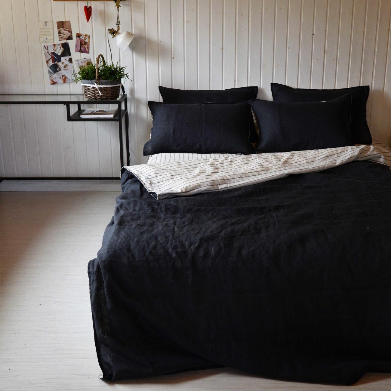 Льняной постельный комплект День и Ночь 1