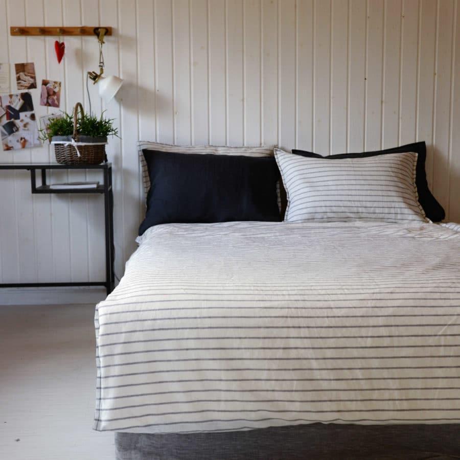 Льняной постельный комплект День и Ночь 2