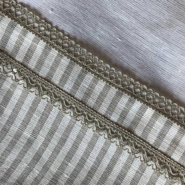 Льняная ткань в полоску 0.7 с кружевом