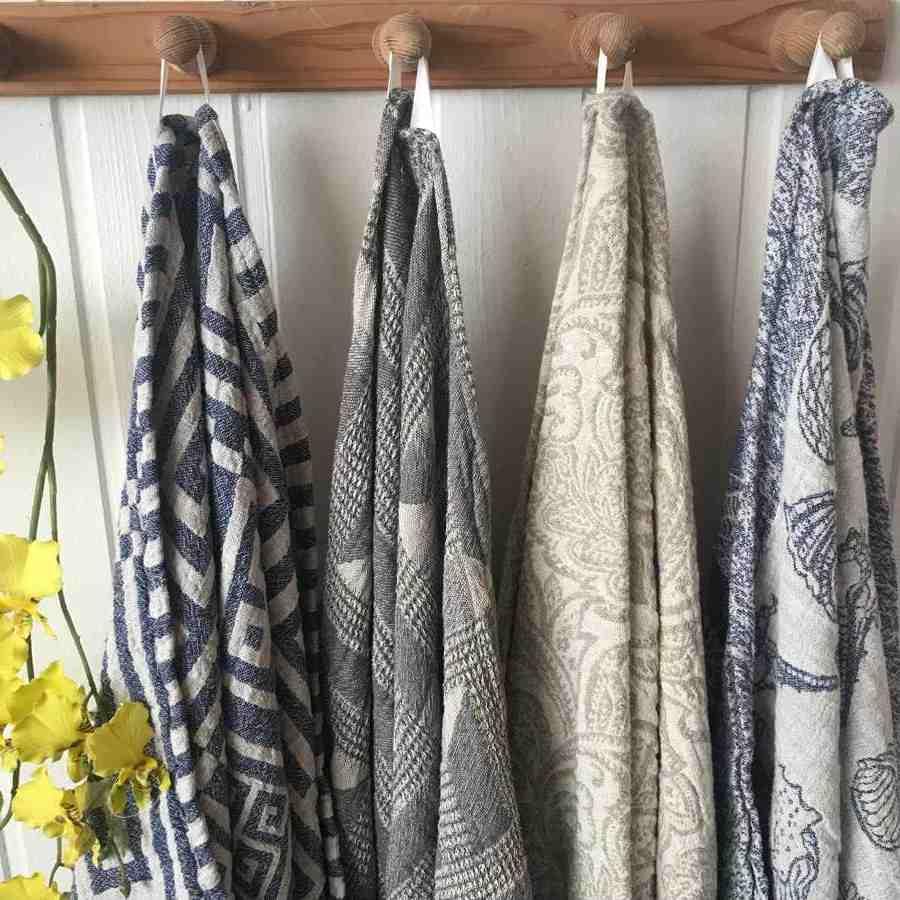 Льняное полотенце Ракушки